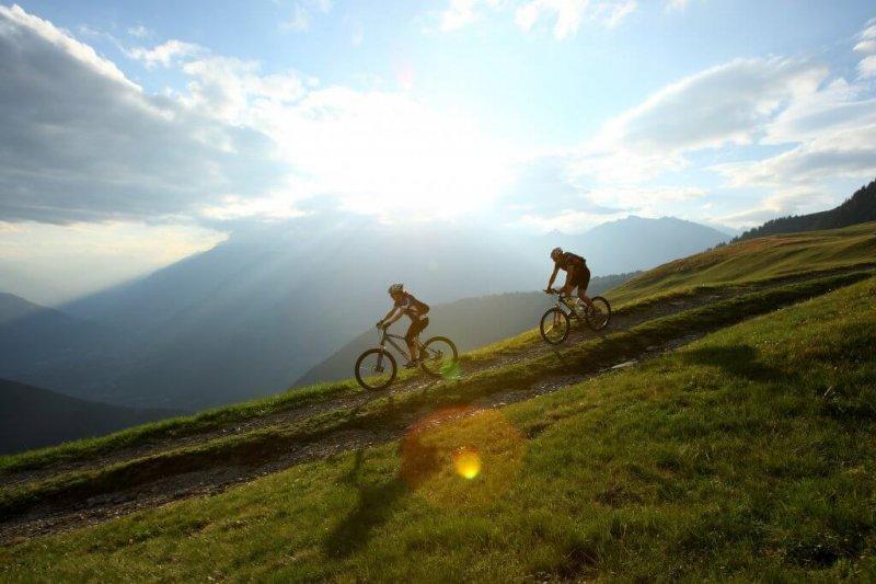 Biken_in_Suedtirol_©_Marketinggesellschaft_Meran